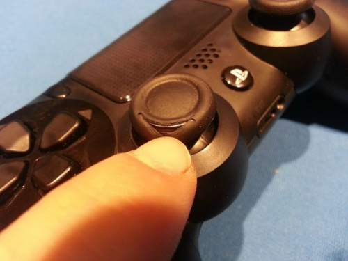 PS4's DualShock 4 Controller Analogue Sticks Wearing Out Image 5