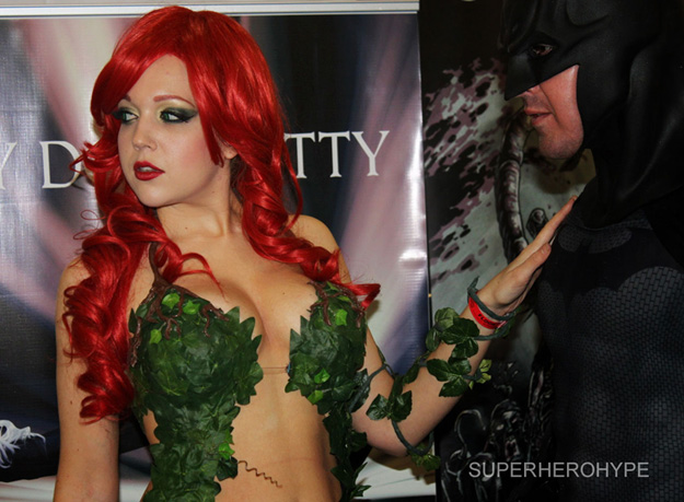 POISON IVY AND BATMAN COSPLAY
