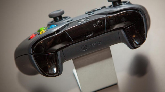 How to Connect Wireless Xbox One Controller to the Console