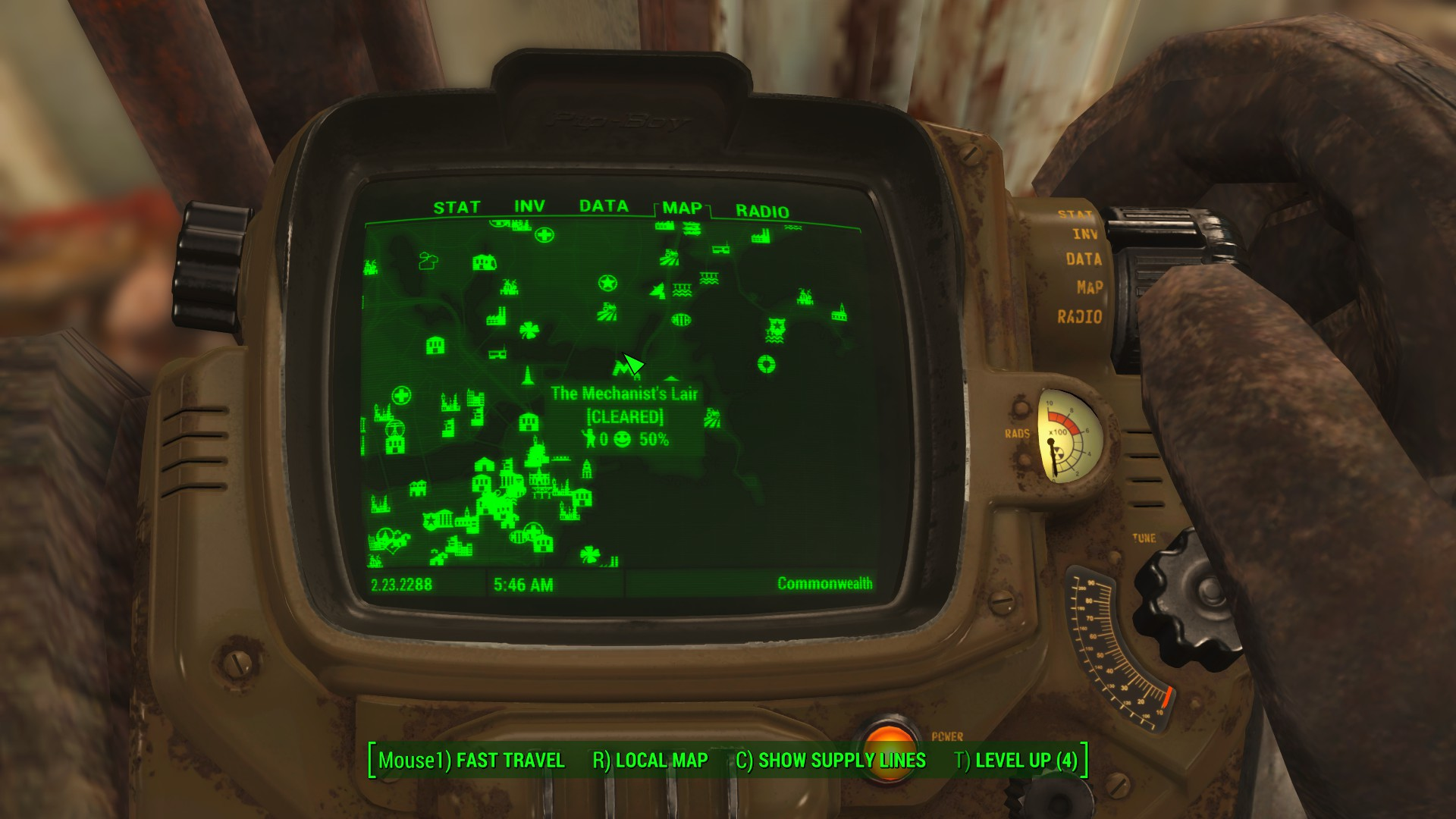 fallout 4 how to turn on headlamp