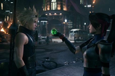 """Final Fantasy VII Remake is """"comparable in size to other mainline Final Fantasy games,"""" says director"""