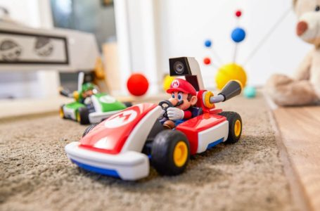 How to charge your Mario or Luigi Kart in Mario Kart Live