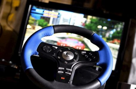 Best Racing Games to play in holidays using a Steering Wheel