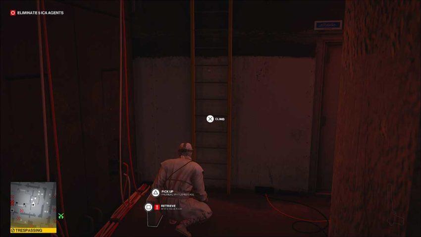 take-out-case-and-climb-hitman-3