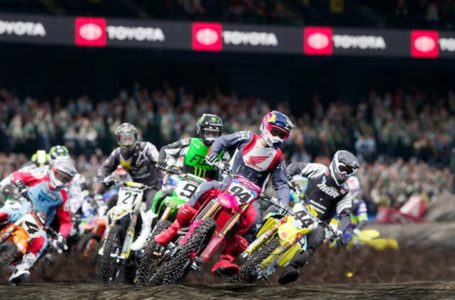 How to download and use race tracks in Monster Energy Supercross: The Official Videogame 4