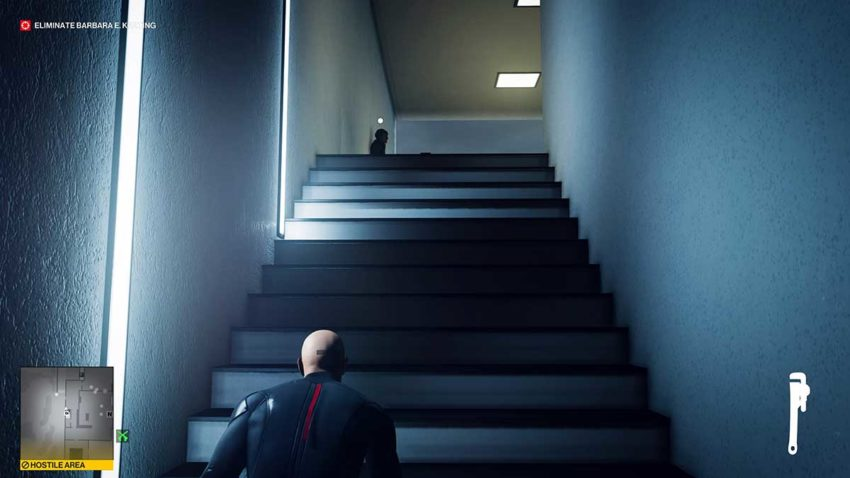 guard-on-stairs-politician-hitman-3