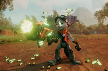 Which weapon should you upgrade first in Ratchet and Clank: Rift Apart?