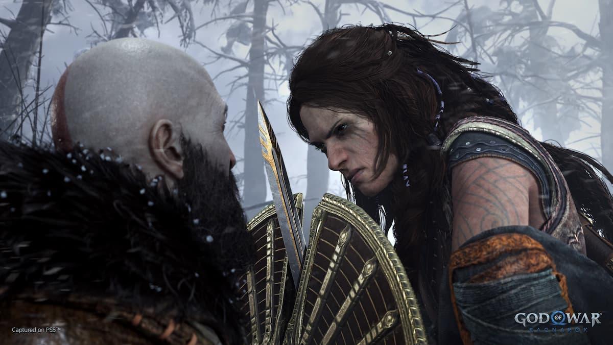 Kratos fights off Freya