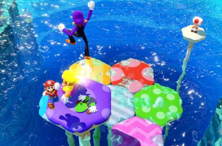 Mario Party's hand-hurting Tug o'War minigame includes a safety warning in Mario Party Superstars