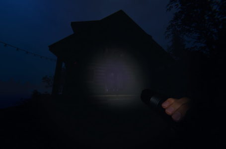 Where to find the Jason Voorhees mask on Maple Lodge Campsite in Phasmophobia